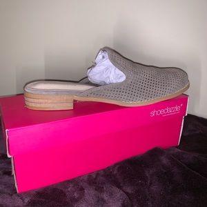 Shoedazzle slip on shoes
